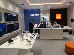 samsung-orange-salon-